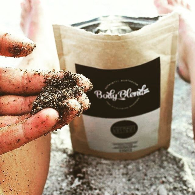 BodyBlendz Coffee Scrub en situation